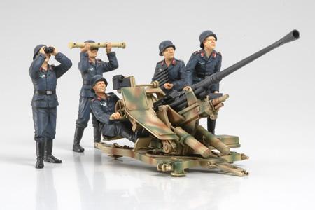TAMIYA GERMAN FLAK 37 W/CRE   Military Figures 1/35 scale